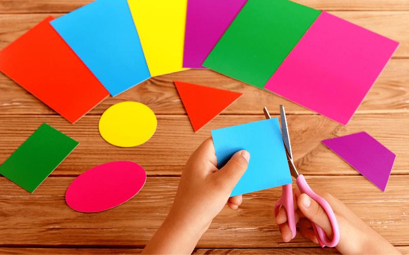 preschooler learning shapes